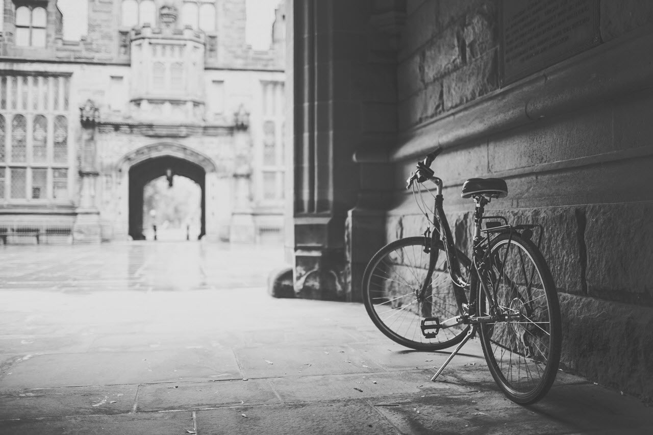 building-vintage-bike-monument-SM